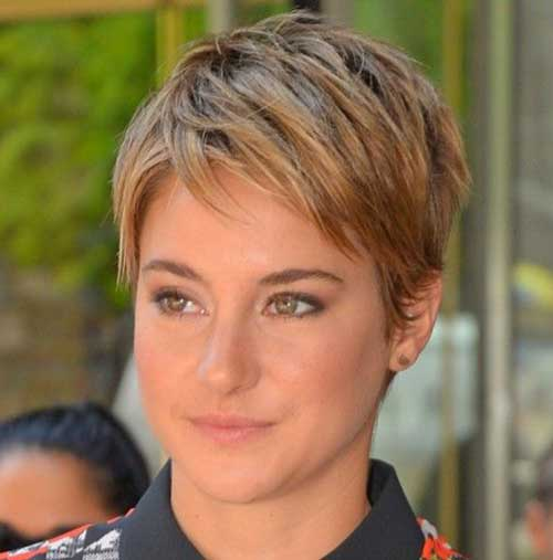 12. Straight Pixie Hairstyle